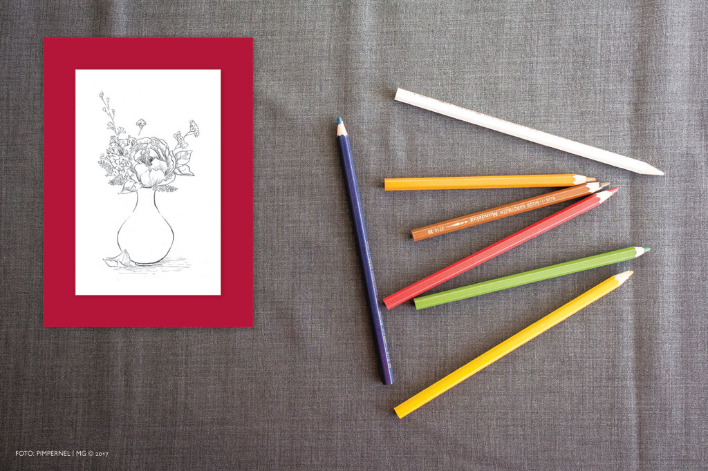 AkvarellGrafikák_No43_Piros+Fehér_C-Váza_01.indd