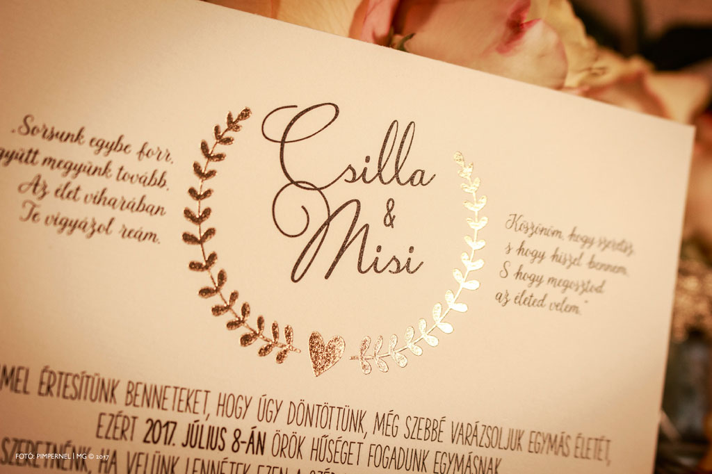 Csilla és Misi gyöngyházfényű egyedi Bay Leaf meghívója