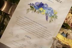 Florabella014-sarga-lila-vadrozsas-eskuvoi-meghivo-01