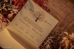 2019_EskuvoiMeghivo_TreeOfLove3-Cardboard#19-Crush_01.indd