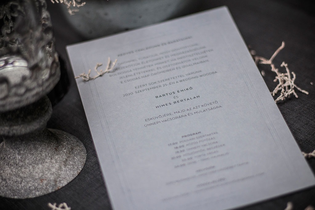 Dressed In White Grey Rustic Edition – rusztikus esküvői meghívó