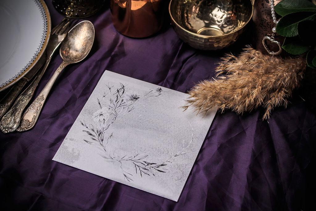 Secret Garden #01 Grey Edition – nyomtatott borítékos meghívó törtfehér